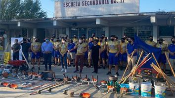 Samuel García yAuténticosTigres rehabilitan una secundariaen San Nicolás
