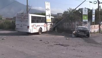 Muere joven arrollado por camión tras choque de crucero en Escobedo
