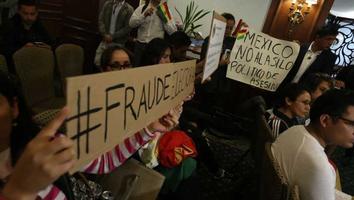 Bolivianos en México rechazan discurso de golpe de Estado contra Evo Morales