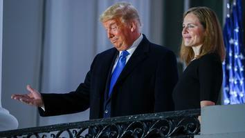 Celebra Trump en la Casa Blanca confirmación de su nominada para la Corte Suprema