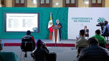 Legisladoras del PAN, quienes están contra candidatura de Félix Salgado: AMLO