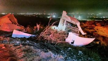 Trailero resulta lesionado tras volcar sobre la carretera libre Monterrey-Saltillo