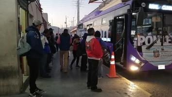 Continúanaglomeracionesen el transporte público pese a incremento de casos Covid-19