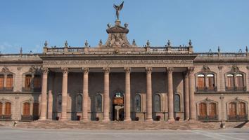 Ajusta Moody's calificación de Nuevo León