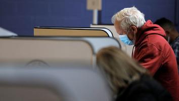 Votación temprana en EU toma ritmo histórico; van 60 millones de sufragios