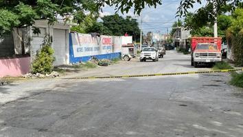 Ataque a balazos al interior de un taller mecánico deja un hombre muerto